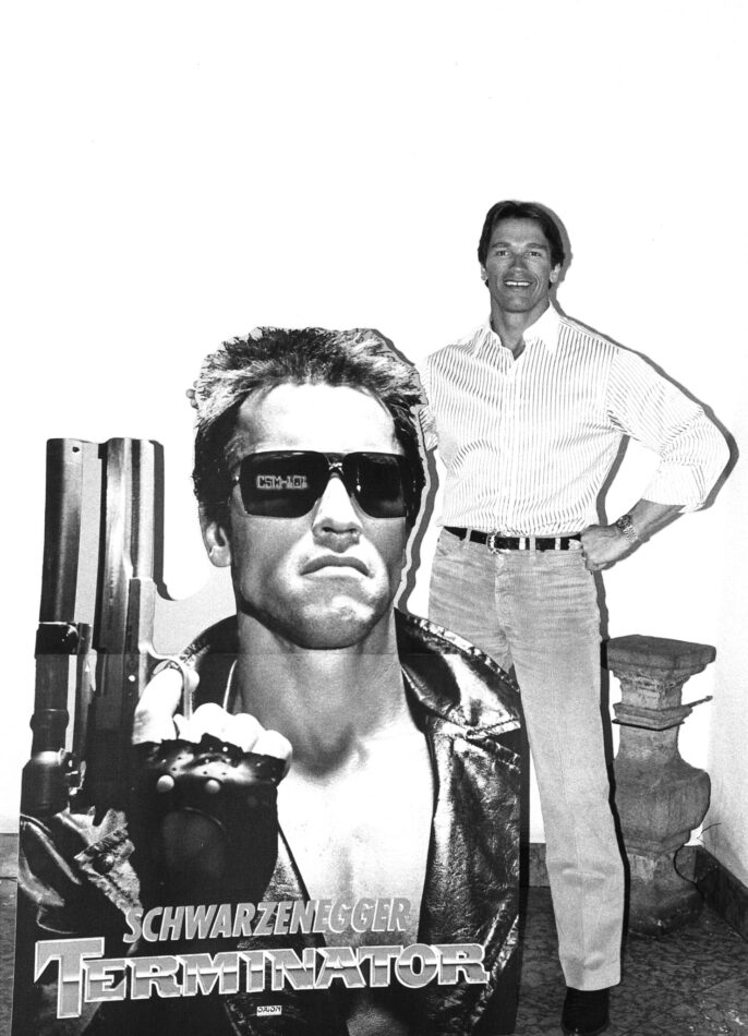 Arnold Schwarzenegger on set of The Terminator (1984)
